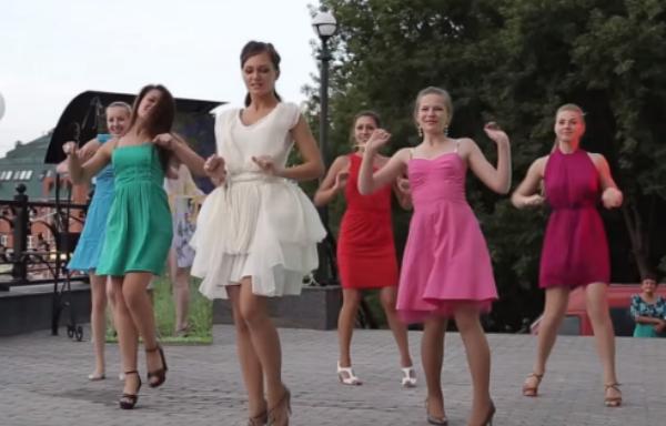 Танцевальный подарок жениху от невесты и её подружек 46