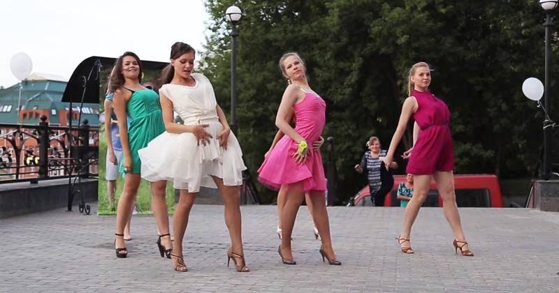 Танцевальный подарок жениху от невесты и её подружек 3