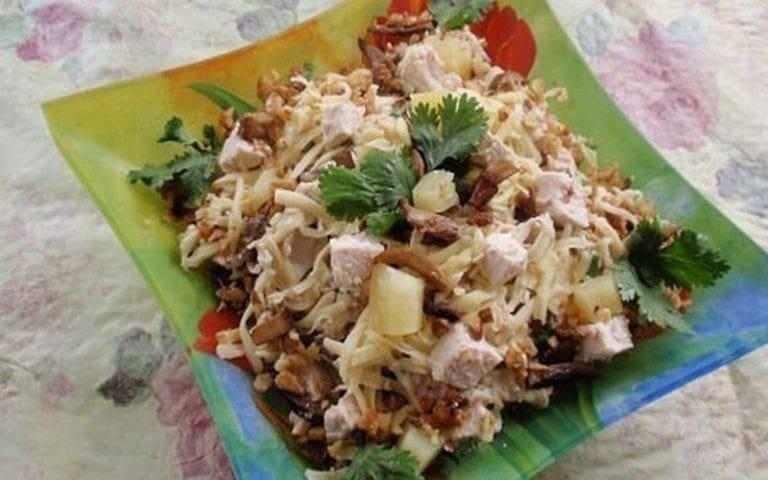 Тушеная картошка в мультиварке без мяса рецепты