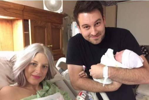 Чоловік зробив знімок новонародженої дочки і дружини, а через 8 годин жінка стала донором для 50 осіб!